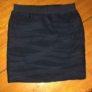 👗B2G1 Candie's black patterned mini skirt XS